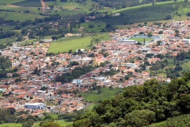 Prefeitura de Ibitiúra de Minas decreta toque de recolher