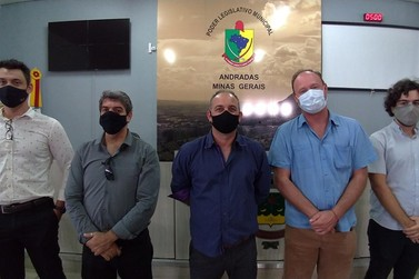Representantes da Câmara de Ouro Fino visitam Legislativo Andradense