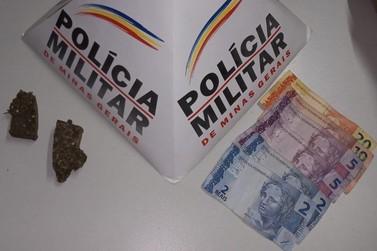Adolescente é apreendido pela PM pela prática de tráfico de drogas em Andradas