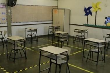 Governo de MG anuncia volta às aulas presenciais nas escolas da rede estadual
