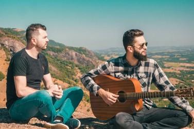 Irmãos lançam clipe musical em homenagem ao cantor mineiro Vander Lee