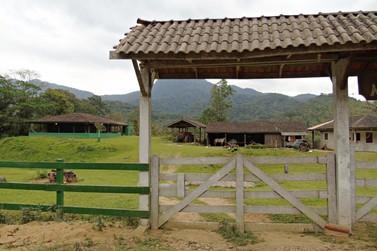Prefeitura de Andradas convoca moradores para retirada da placa do CEP Rural