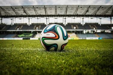 Governo permite volta de público aos estádios e FMF avalia possibilidade