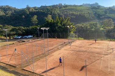 Fraga Centro Esportivo realiza torneio de tênis para comemorar seus 11 anos