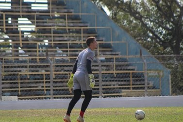 Goleiro andradense analisa primeiro amistoso profissional do VEC