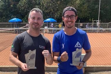 Andradenses são campeões em torneio de tênis em Santo Antônio do Jardim