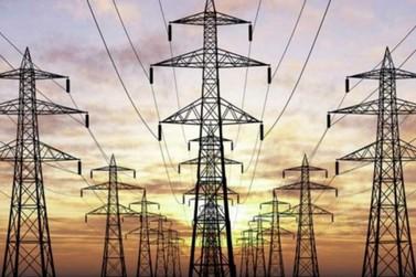 Zema afirma que Minas Gerais poderá ter desabastecimento de energia elétrica