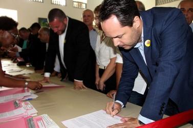Atibaia firma convênios com o Governo e recebe R$ 950 mil para a saúde