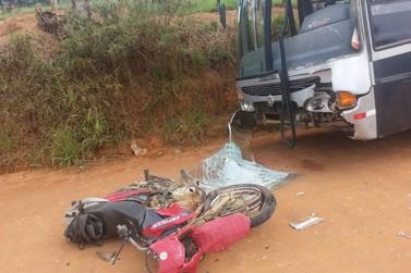 Motociclista morre ao colidir com ônibus em Bragança