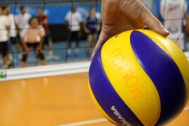 Projeto em Atibaia oferece aulas de vôlei gratuita