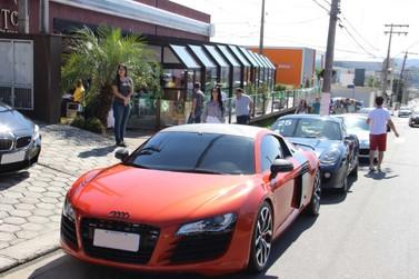 Encontro de Super Carros aconteceu no Seo Dito em Atibaia