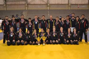 Judô feminino de Atibaia é campeão nos Jogos Regionais