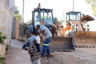 Obras de asfalto da Prefeitura com associações de moradores continuam na Cidade