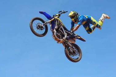 Show de Moto Freestyle acontece neste domingo em Atibaia