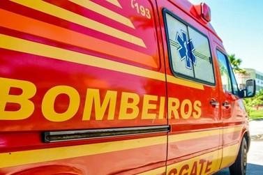 Criança de 8 anos coloca fogo em irmãos de 7 e 10 anos