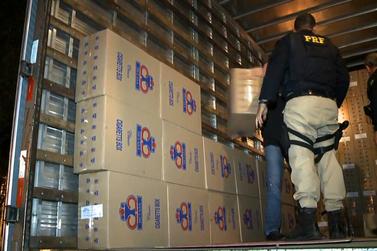 Motorista é preso com 500 caixas de cigarros contrabandeados na Fernão Dias
