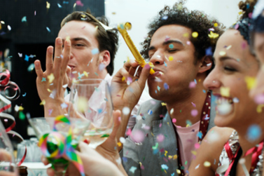 Empresa com conceito americano comemora 1º ano em Atibaia com mega Happy Hour