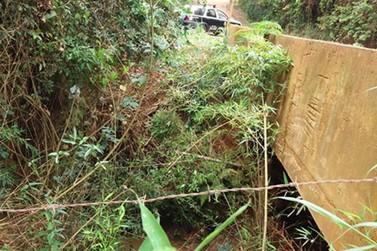 Corpo de mulher é encontrado enrolado em lençol às margens de córrego em Jarinu