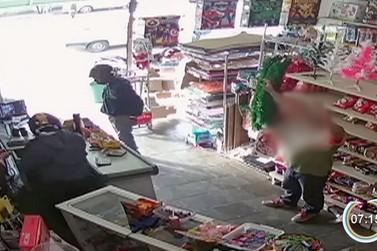 Dois homens são presos em Atibaia após série de assaltos na região