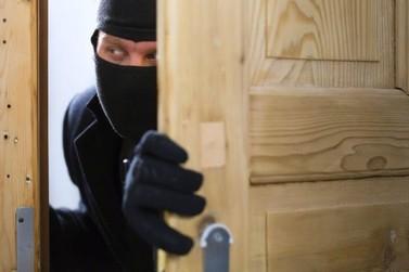 Mesmo antes de ser ocupada, casa alugada é furtada em Atibaia