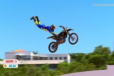 Fred Kyrillos derrota Joaninha e é bicampeão do Duelo de Motos em Atibaia
