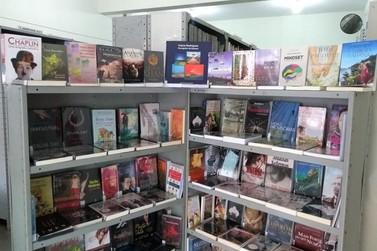 Biblioteca Municipal do Centro em Atibaia recebe 190 novos títulos