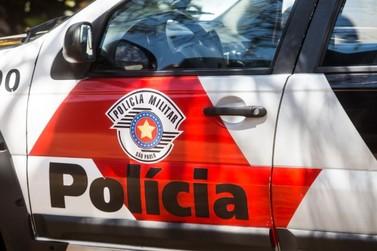 Mulher é assaltada em ponto de ônibus em Atibaia