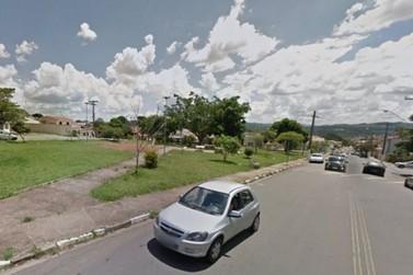 Mulher é assaltada durante caminhada na Praça da Amada no Alvinópolis