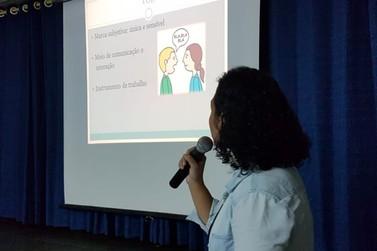 Programa A Voz do Mestre: prioridade para a saúde vocal de professores