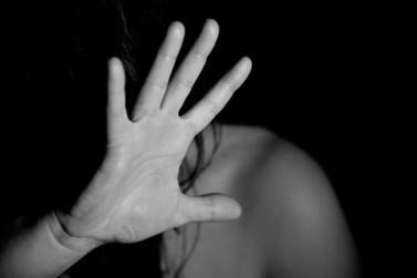 Acusado de tentar matar ex-mulher a facadas está foragido em Atibaia