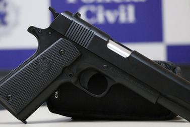 Arma falsa: vítima reage a assalto e ladrão foge em Atibaia