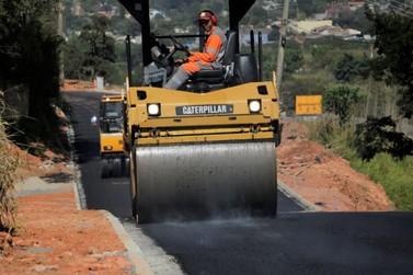 Asfalto na região do Alvinópolis segue em ritmo intenso