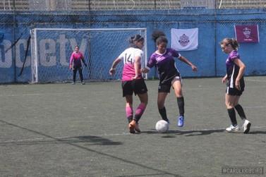 Equipe de Atibaia é campeã do Festival de futebol feminino de Jundiaí