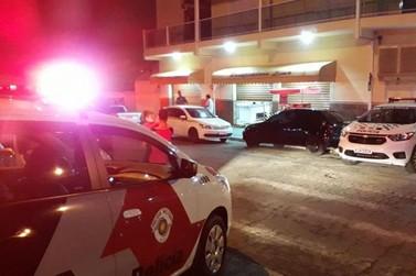 Assaltante é morto por policial em tentativa de roubo a padaria em Bragança