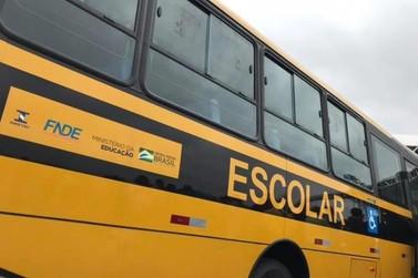 Frota municipal escolar é ampliada com dois novos ônibus