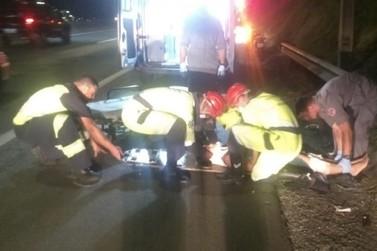 Mulher sofre acidente de moto em Atibaia e carro foge sem prestar socorro