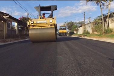 Prefeitura de Atibaia inicia asfalto no Jardim Paraíso da Usina