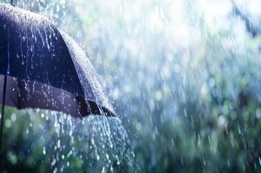 Defesa Civil alerta para chuva intensa e ventos nesta quinta-feira