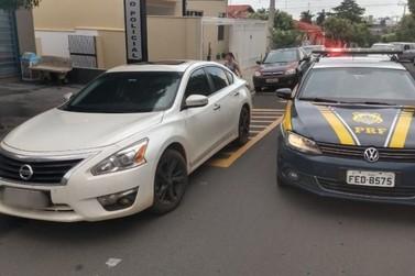 PRF recupera carro roubado em Atibaia que circulava em São José do Rio Preto