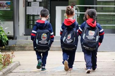Mais de 15 mil alunos retornam às aulas da Rede Municipal de Educação