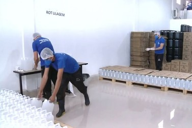 Fábrica de álcool em gel passa a produzir em um dia volume de um mês em Atibaia