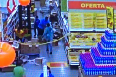 Homem é baleado após briga em supermercado em Bragança Paulista