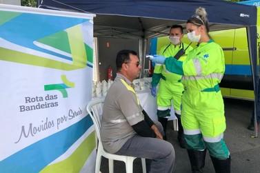 Concessionária entrega 2,5 mil kits lanches a caminhoneiros na Rodovia Dom Pedro