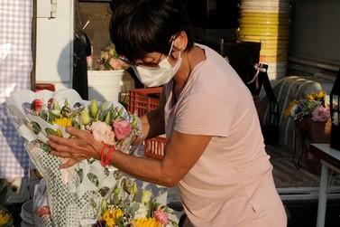 Feira de Flores e Plantas do Produtor Rural adota medidas de proteção + vendas!