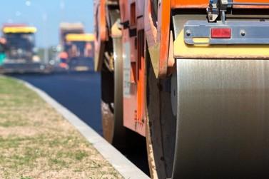 Prefeitura de Atibaia inicia obras de asfalto no bairro Retiro das Fontes