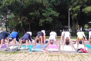 Clã da Montanha retoma atividades presenciais e oferece aulas gratuitas de yoga