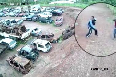 Dupla é presa por furtar peças de carros em pátio de Atibaia