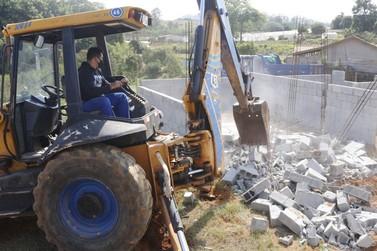 Prefeitura barra loteamento clandestino em Atibaia e faz alerta à população