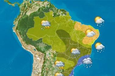 Véspera de feriado com chuva em praticamente todo Brasil