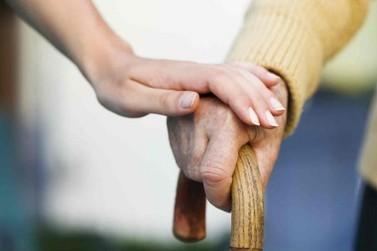 Profissionais da saúde de Atibaia participam de programa referencia no tratamento de Parkinson